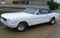 1965 Mustang White with blue top